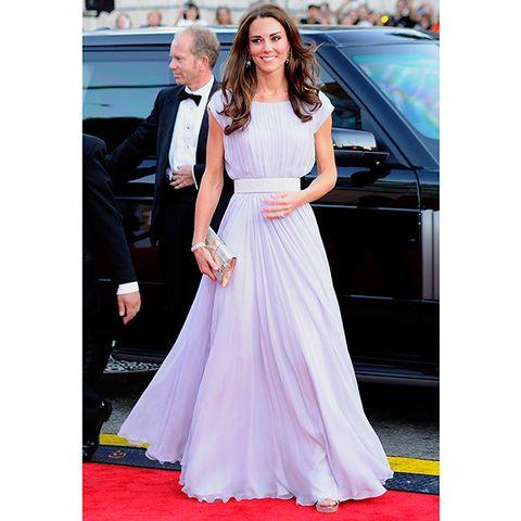 Clothing, Trousers, Dress, Coat, Shoulder, Flooring, Photograph, Outerwear, Formal wear, Suit,