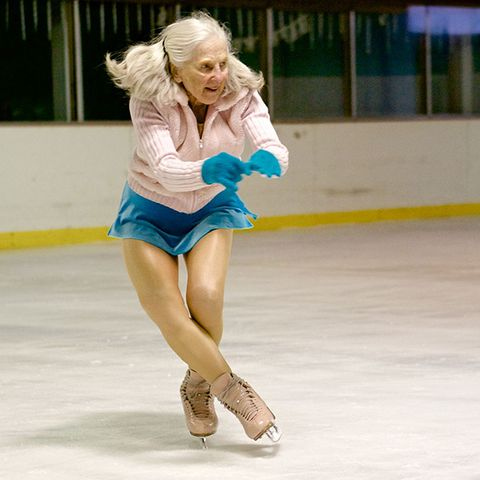 Ice skate, Leg, Human leg, Human body, Joint, Knee, Figure skate, Ice rink, Thigh, Winter,