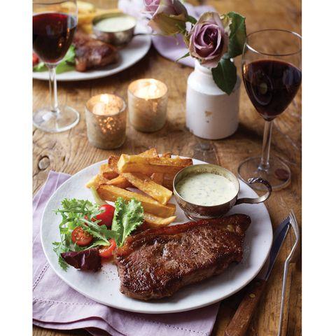 Dish, Food, Cuisine, Rinderbraten, Ingredient, Pork steak, Meat, Steak sauce, Meal, Steak au poivre,