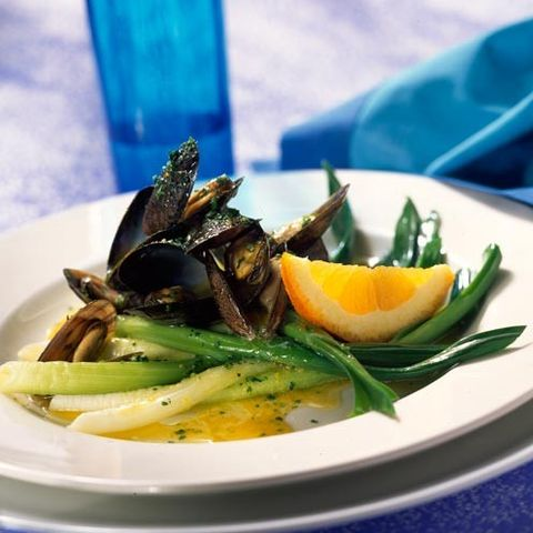 Food, Ingredient, Dishware, Bivalve, Tableware, Seafood, Plate, Shellfish, Serveware, Clam,