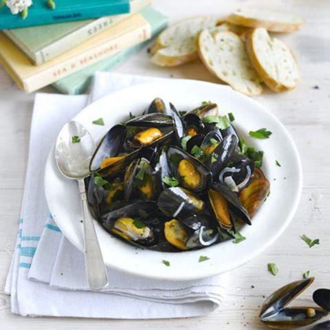 Food, Bivalve, Seafood, Ingredient, Shellfish, Recipe, Plate, Molluscs, Dishware, Curanto,