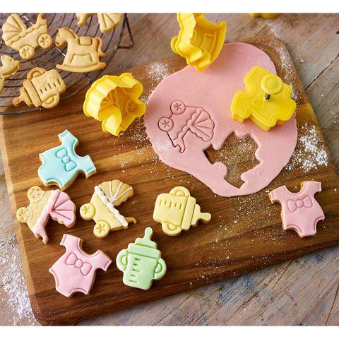 Food, Confectionery, Finger food, Snack, Dessert, Cuisine, Baked goods, Sweetness, Bredele, Toy block,