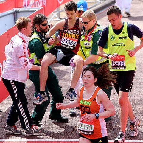 Clothing, Footwear, Sports uniform, Shoe, Sportswear, Endurance sports, Athletic shoe, Athlete, Jersey, Active shorts,