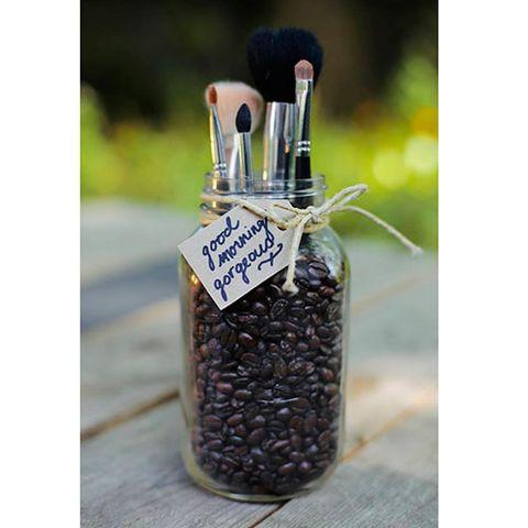 Lavender, Glass bottle, Produce, Natural material, Silver, Bottle, Mason jar, Cosmetics,