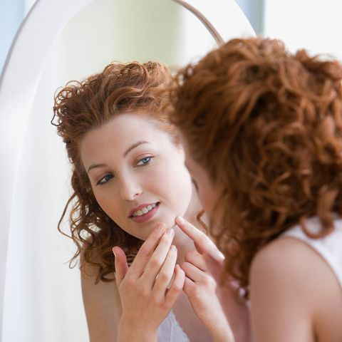 Lip, Hairstyle, Chin, Eyelash, Style, Beauty, Brown hair, Ringlet, Hair coloring, Photography,
