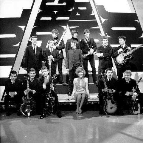 Musician, Musical instrument, Music, Band plays, Musical ensemble, Entertainment, Music artist, String instrument, Performing arts, String instrument,