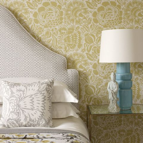 Room, Interior design, Wall, Textile, Furniture, Bed, Linens, Pillow, Lampshade, Bedding,