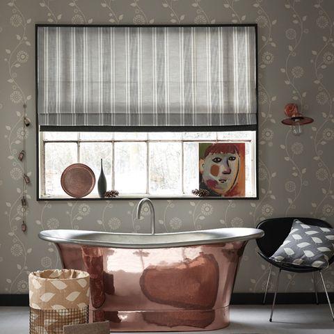 Interior design, Room, Wall, Plumbing fixture, Floor, Interior design, Bathtub, Plumbing, Tap, Bathtub accessory,