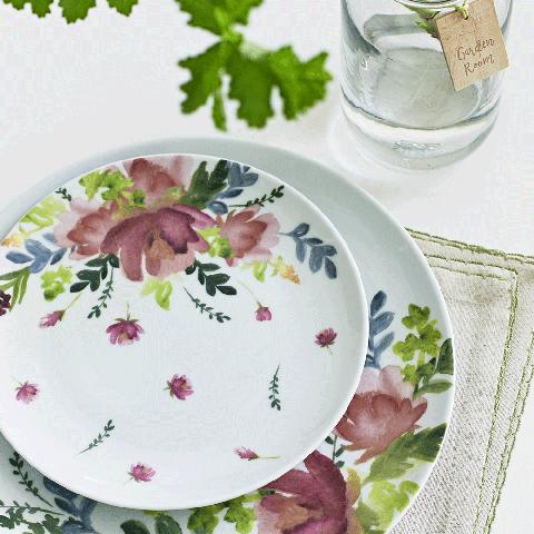 Dishware, Serveware, Leaf, Pink, Liquid, Porcelain, Drinkware, Petal, Linens, Lavender,