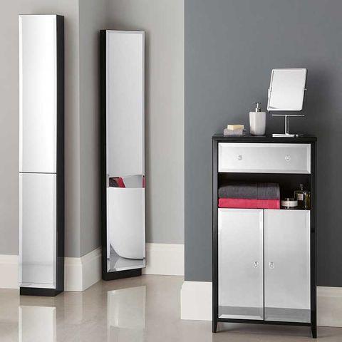 Major appliance, Product, Furniture, Room, Home appliance, Refrigerator, Material property, Floor, Door, Column,
