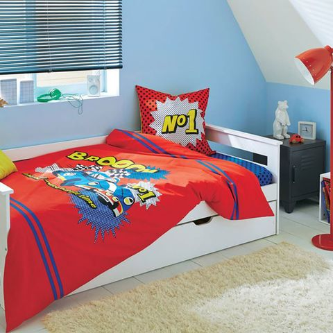 Bed sheet, Bedroom, Bed, Bedding, Furniture, Room, Textile, Red, Duvet cover, Orange,