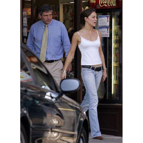 Jeans, Clothing, Vehicle door, Denim, Street fashion, Shoulder, Fashion, Textile, Outerwear, Vehicle,