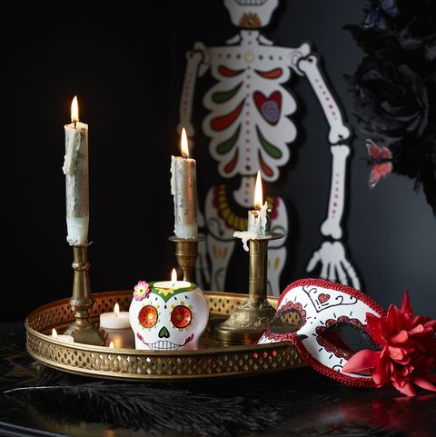 Candle, Lighting, Candle holder, Cake, Dessert, Unity candle, Table, Still life, Interior design,