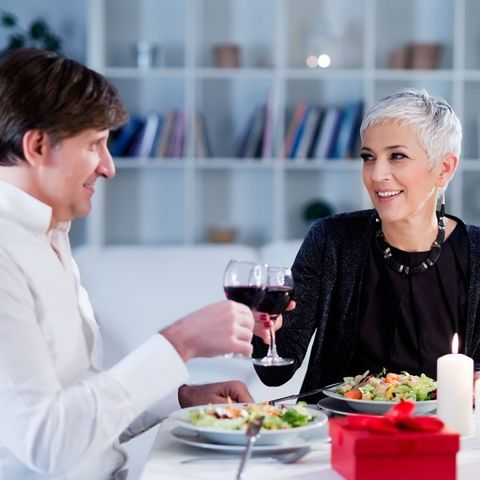 Eating, Meal, Lunch, Food, Conversation, Brunch, À la carte food, Drinking, Dish, Customer,