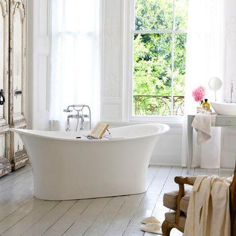 Room, Interior design, Plumbing fixture, Floor, Property, Glass, Bathtub, Flooring, Interior design, Tap,