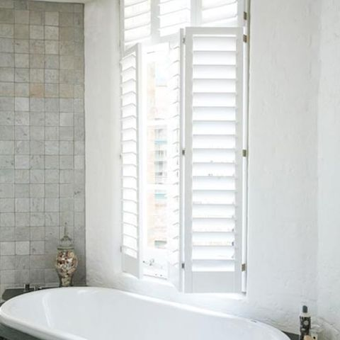 Product, Property, Wall, Bathtub, Room, Interior design, Bathtub accessory, Plumbing fixture, Fixture, Tile,