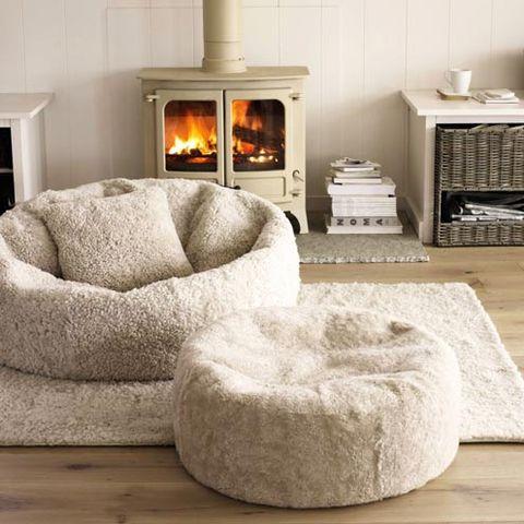 Room, Property, Wall, Interior design, Home, Hearth, Furniture, Floor, Living room, Heat,
