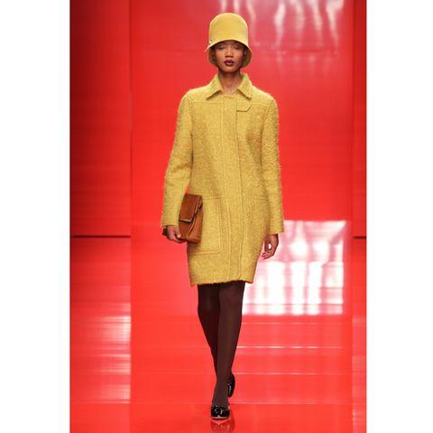 Sleeve, Textile, Red, Outerwear, Style, Coat, Sun hat, Pattern, Street fashion, Beige,