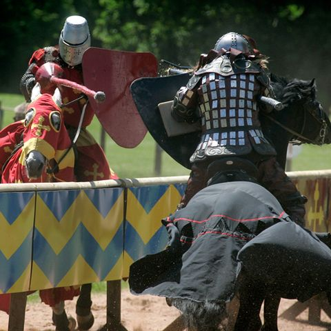 Knight, Armour, Horse tack, History, Horse, Middle ages, Cuirass, Breastplate, Battle, Helmet,