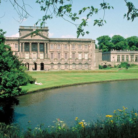 Landmark, Bank, Palace, Manor house, Reservoir, Mansion, Lake, Garden, Pond, Stately home,