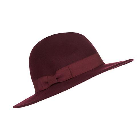 Hat, Fashion accessory, Headgear, Costume accessory, Maroon, Costume hat, Beige, Costume, Fedora, Sun hat,