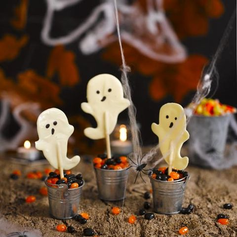 Spooky Halloween ghosts
