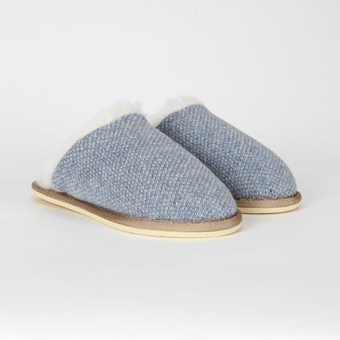 Tan, Grey, Beige, Natural material, Slipper, Oval, Stitch,