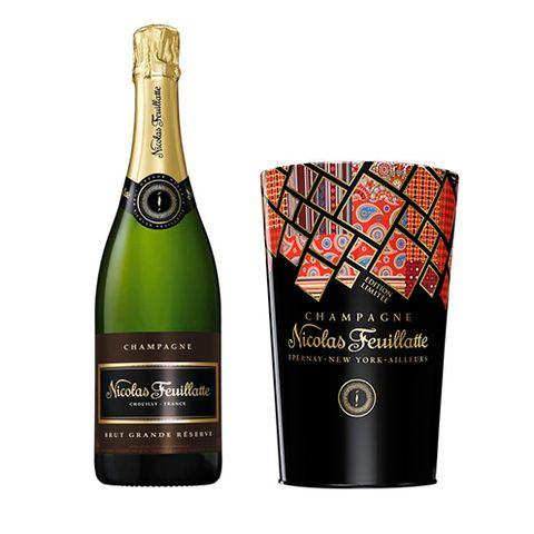 Glass bottle, Product, Bottle, Alcoholic beverage, Drink, Alcohol, Font, Wine bottle, Logo, Distilled beverage,