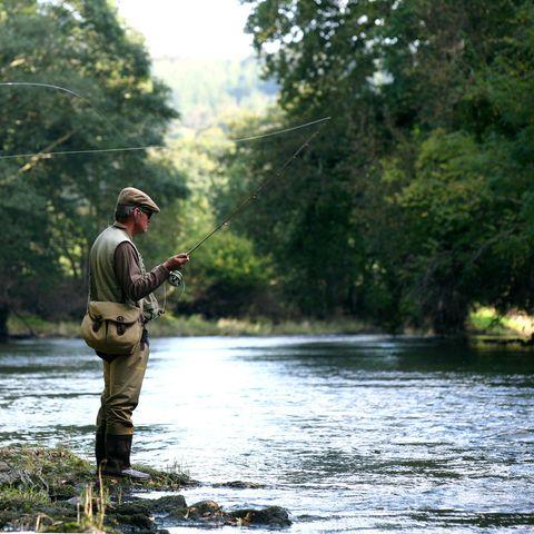 Human, Fishing rod, Fishing, Fisherman, Recreational fishing, Angling, Outdoor recreation, Watercourse, Jigging, Bank,