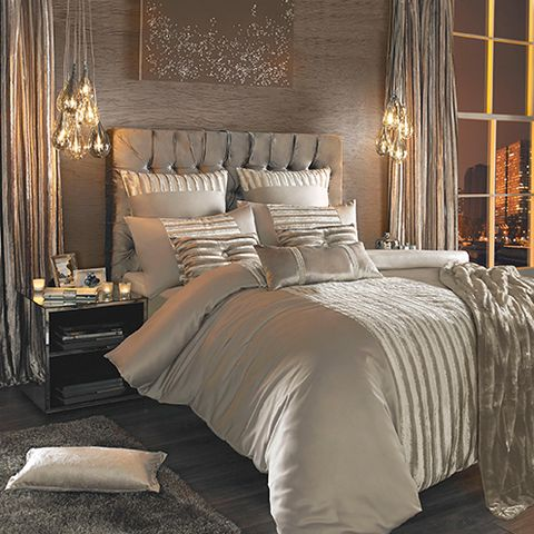 Lighting, Interior design, Room, Bed, Property, Floor, Textile, Bedding, Wall, Linens,