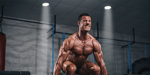 Human leg, Chin, Shoulder, Physical fitness, Chest, Room, Bodybuilder, Wrist, Knee, Muscle,