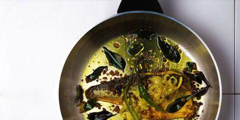 Circle, Recipe, Garnish, Still life photography, Toad, Bullfrog, Seafood, True toad, Fish, Bufo,