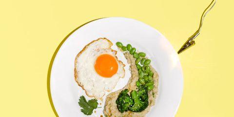 Fried egg, Egg yolk, Egg white, Food, Meal, Dishware, Ingredient, Breakfast, Dish, Serveware,