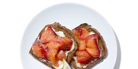 Food, Ingredient, Serveware, Dishware, Plate, Recipe, Produce, Peach, Dish, Common fig,