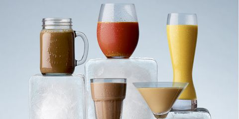 Drink, Juice, Champagne cocktail, Smoothie, Alcoholic beverage, Bellini, Food, Beer glass, Drinkware, Glass,
