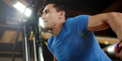 Ear, Chin, Shoulder, Elbow, Joint, Sportswear, T-shirt, Muscle, Chest, Neck,