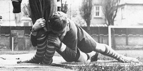 Shoe, Human leg, Elbow, Knee, Sock, Monochrome, Black-and-white, Monochrome photography, Playing sports, Crawling,