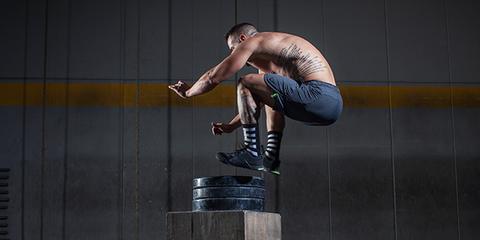 Human leg, Elbow, Knee, Muscle, Calf, Balance, Hip, Sculpture, Physical fitness, Swimmer,