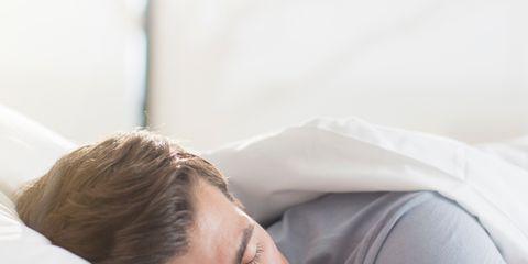 Comfort, Skin, Shoulder, Elbow, Sleep, Nap, Linens, Bedding, Muscle, Bed sheet,