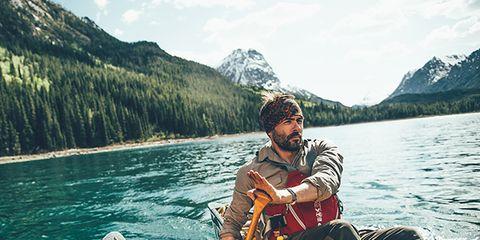 Recreation, Watercraft, Mountainous landforms, Boat, Water, Boating, Outdoor recreation, Mountain range, Mountain, Lake,