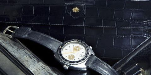 Analog watch, Watch, Watch accessory, Fashion accessory, Strap, Material property, Silver, Jewellery, Brand, Hardware accessory,