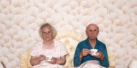People, Sitting, Bed, Textile, Furniture, Comfort, Bedding, Room, Fun, Wallpaper,