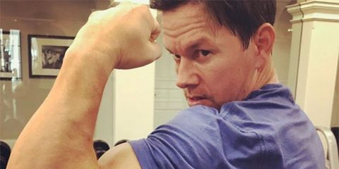 Shoulder, Arm, Muscle, Joint, Elbow, Physical fitness, Chest, Hand, Human body, Selfie,