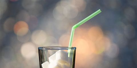 Drink, Highball glass, Distilled beverage, Highball, Old fashioned glass, Tom collins, Fizz, Non-alcoholic beverage, Kamikaze, Rickey,