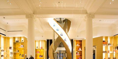 Lighting, Interior design, Floor, Ceiling, Flooring, Interior design, Lobby, Hall, Light fixture, Houseplant,