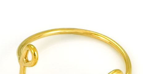 Yellow, Amber, Metal, Brass, Gold, Body jewelry, Circle, Chain, Gold, Natural material,