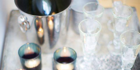 Dishware, Glass, Serveware, Drinkware, Barware, Cutlery, Tableware, Stemware, Plate, Aqua,