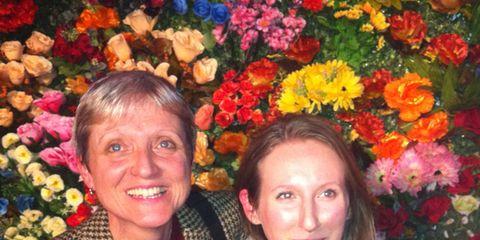 Smile, Eye, Petal, Flower, Happy, Facial expression, Iris, Floristry, Temple, Jewellery,