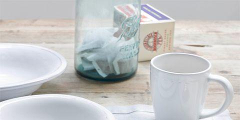 Serveware, Dishware, Drinkware, Tableware, Porcelain, Cutlery, Kitchen utensil, Liquid, Ceramic, Spoon,