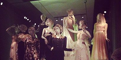 Dress, Formal wear, Fashion, Gown, Sculpture, One-piece garment, Stage, Haute couture, Vintage clothing, Costume design,